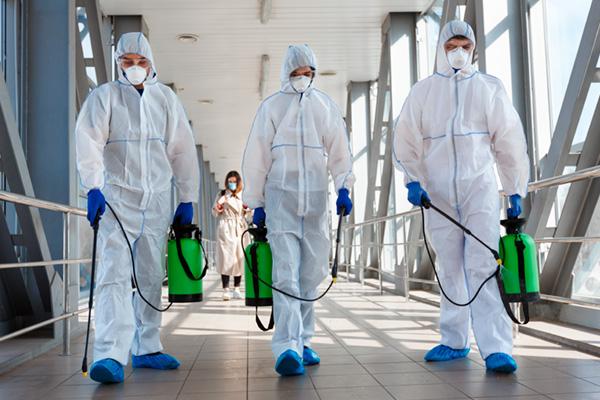 Equipos de protección sanitaria trajes EPIS